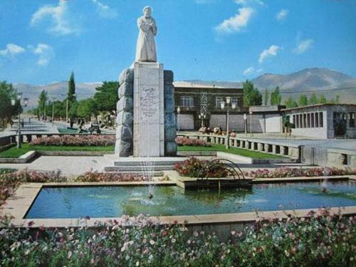 آرامگاه بوعلی سینا همدان