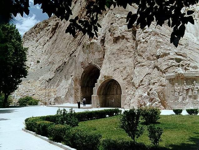 طاق بستان از جاهای دیدنی ایران 100 جاهای دیدنی ایران که قبل از مرگ باید دید