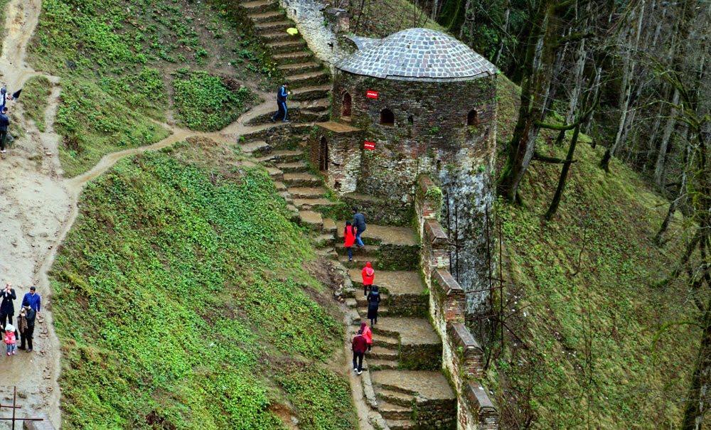 قلعه رودخان، قلعه هزار پله ایران