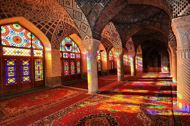 -الملک مسجد نصیرالملک شیراز، مسجد رنگ ها