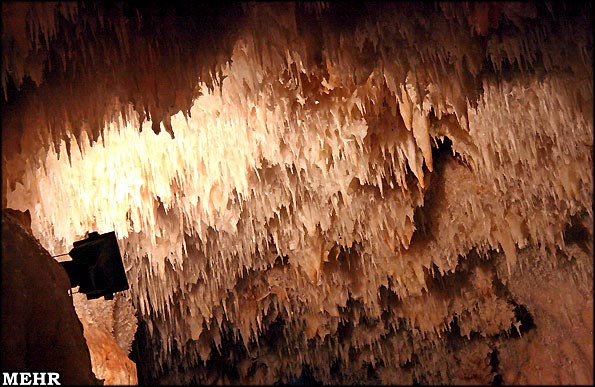 9552_105 غار کتله خور