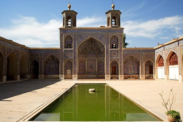 nasir3 مسجد نصیرالملک شیراز، مسجد رنگ ها