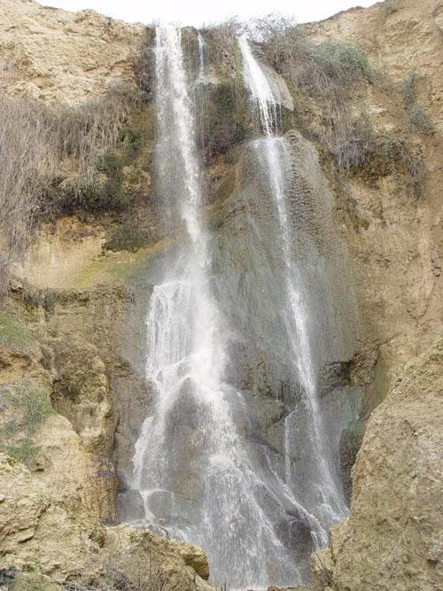 عکس های زیبای آبشار بیار در شهر آشخانه خراسان شمالی