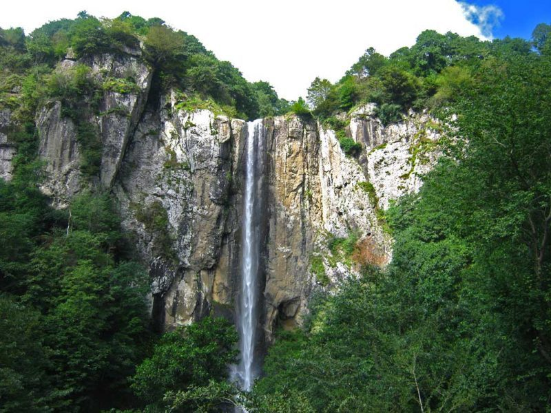 آبشار لاتون 1 آبشار لاتون
