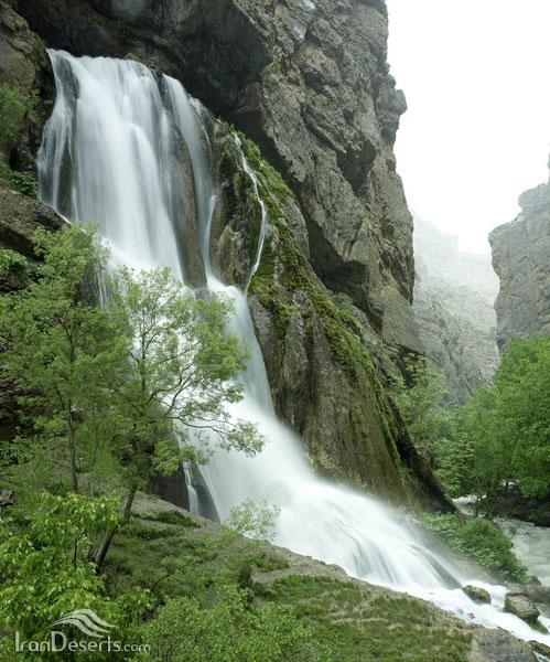 آب سفید آبشار آب سفید