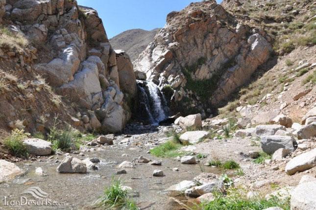 آبشار اسب فروشان