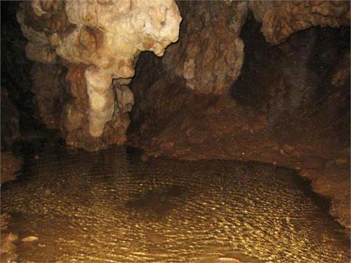 غار-کبوتر5 غار هامپوئیل