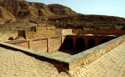 قلعه-کنجانچم13(1)