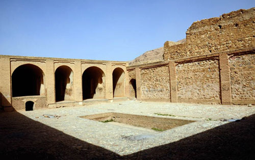 قلعه-کنجانچم2