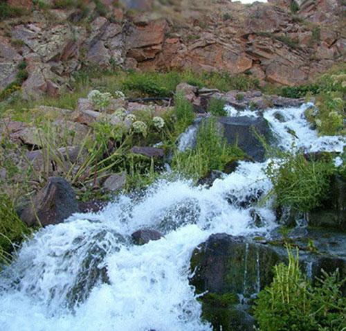 چشمه و آبشار گورگور