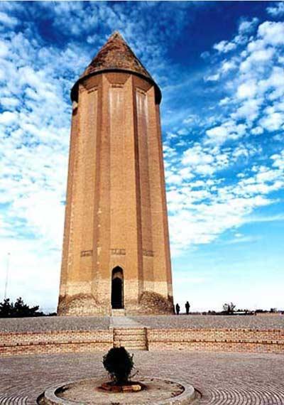 برج گنبد قابوس یا کاووس - بلندترین برج تمام آجری جهان