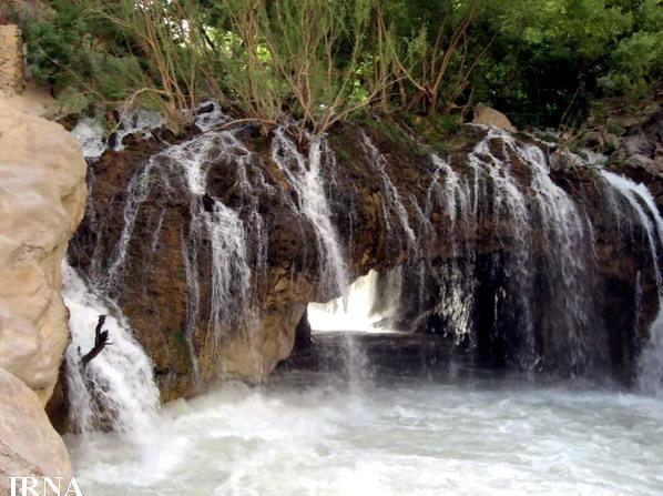 ab malakh آبشار آب ملخ