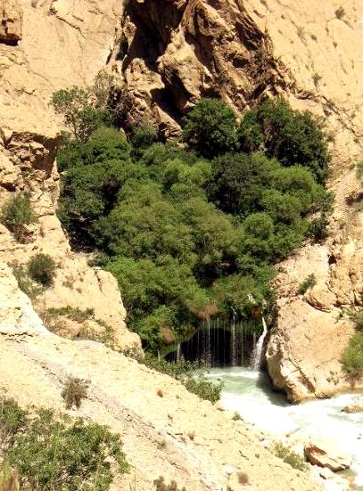 ab malakh8 آبشار آب ملخ