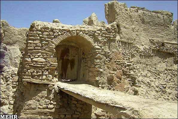 ezadkhast-0307-mm5 قلعه ایزدخواست