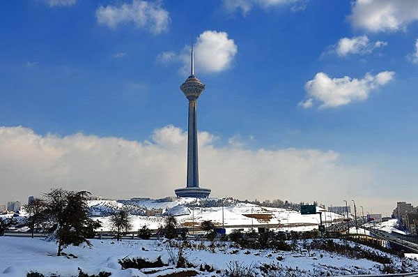 برج میلاد تهران یک روز پاک برج میلاد تهران