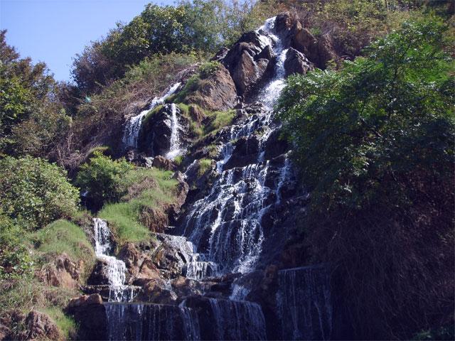 آبشار شیطان کوه