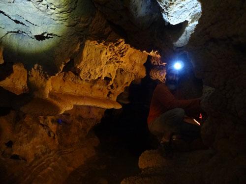 غار سراب کبودر آهنگ
