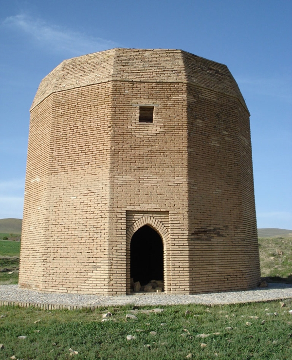 yoshaa1 برج آرامگاه باباحسین