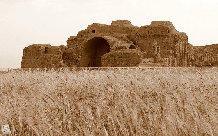 اردشیر 2 کاخ اردشیر بابکان