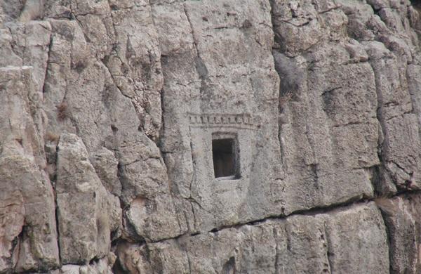 استخر 3 شهر باستانی استخر