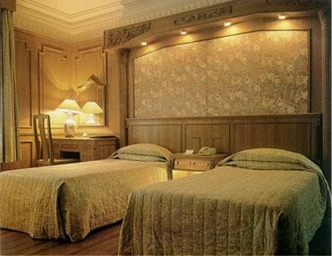 قصر 5 هتل قصر طلایی مشهد