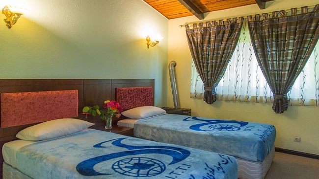 2203 هتل جهانگردی خزرشهر بابلسر