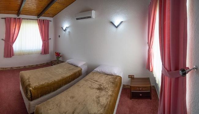 2214 هتل جهانگردی خزرشهر بابلسر