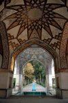 مرمت پیکره های شاهزادگان قاجار در باغ فین کاشان
