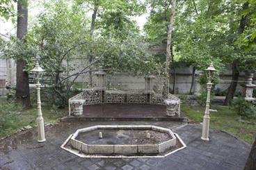 gP1393315263 تخریب کاشیکاری خانه پدر چای ایران
