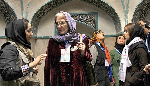n00033129-r-b-003 گزارش تصویری از گردهمایی راهنمایان گردشگری ایران