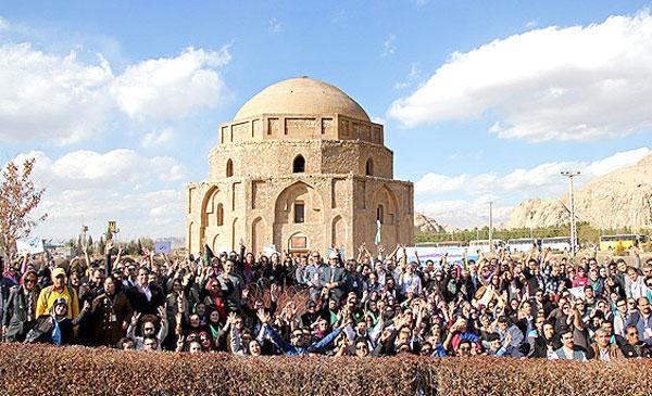 n00033129-r-b-007 گزارش تصویری از گردهمایی راهنمایان گردشگری ایران