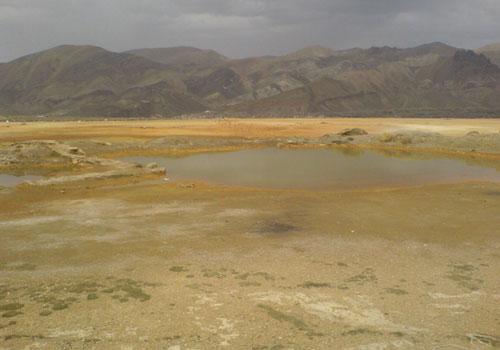 چشمه-گراو چشمه آب معدنی گراو