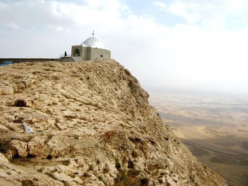 12-12-21-18179vafs امامزاده شاهزاده حسین