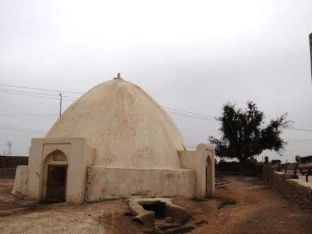 زیارتگاه شیخ اندر آبی