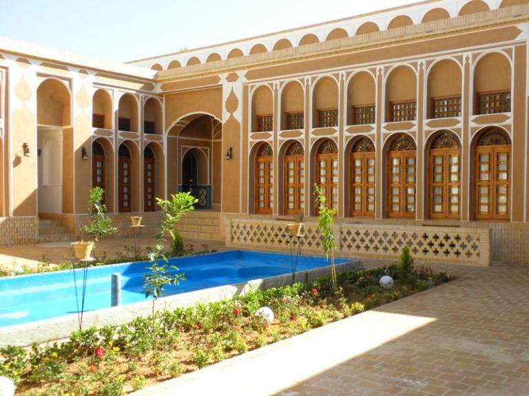 OLYMPUS DIGITAL CAMERA هتل سنتی مظفر یزد