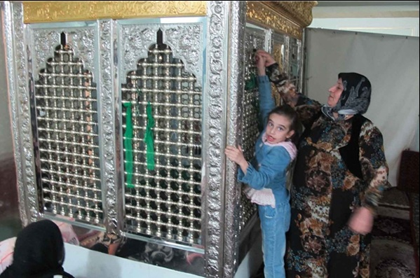 437579 مسجد و زیارتگاه هاجره خاتون