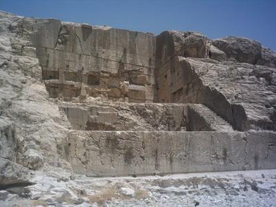 ارسنجان-9 ایوان قدمگاه