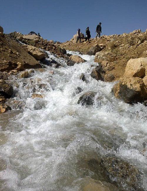 چشمه زنه  20 جای دیدنی چهار محال و بختیاری در تابستان