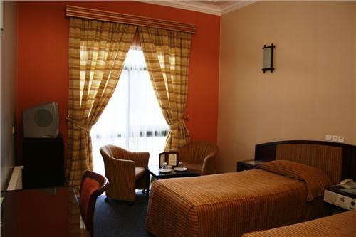 bastam8 هتل جهانگردی بسطام