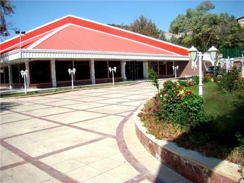 khoram2 هتل جهانگردی سراب کیو (خرم آباد)