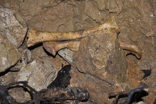 غار-انگره-مینو10 غار اَنگَره مینو