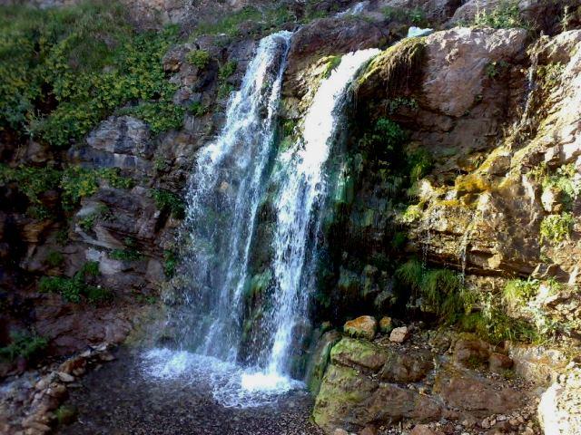 آبشار و غار چرات