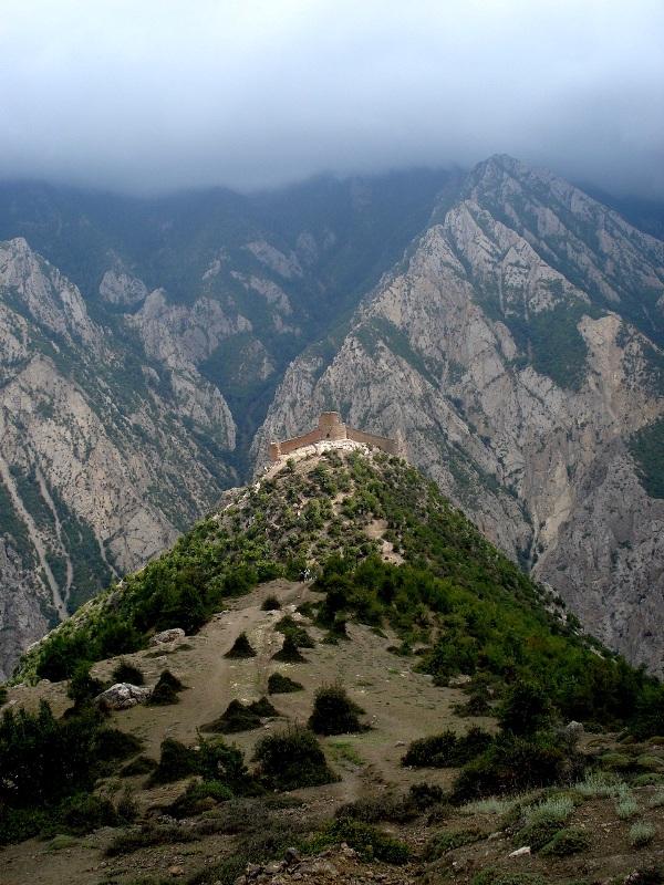 کنگلو قلعه کنگلو خطیرکوه