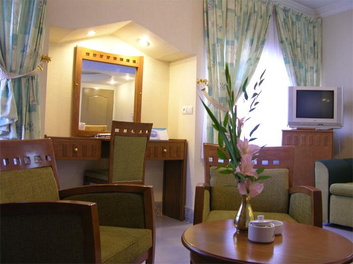 2033 هتل آزادی اصفهان