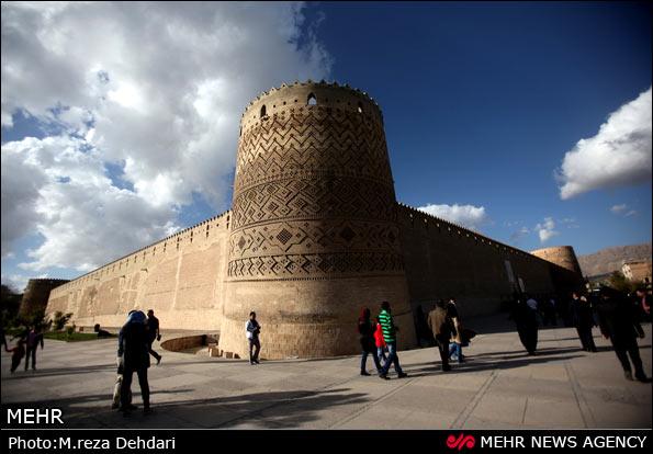 وکیل الرعایا سهمی در تقویم مشاهیر ایران ندارد