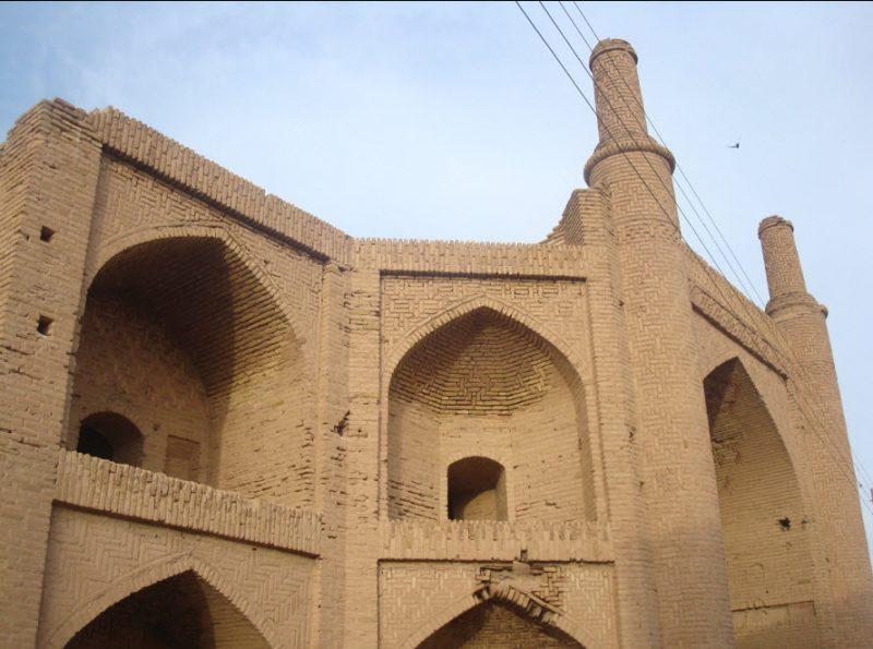 کاروان سرای تاریخی و زیبای روستای شوریاب