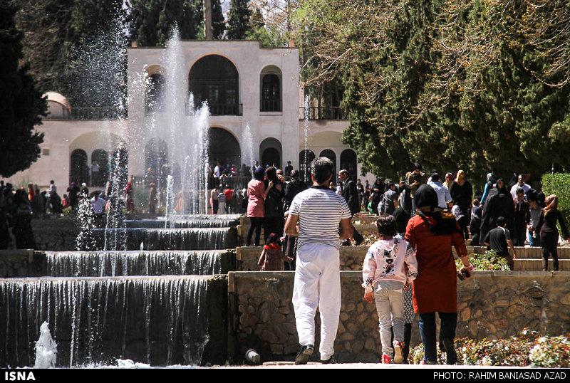 =_UTF-8_B_UmFoaW0gQmFuaWFzYWQgYXphZCAoNyBvZiAzNCkuanBn_= سفر قسطی با «بیمهنامه اعتباری» در ایران امکانپذیر میشود
