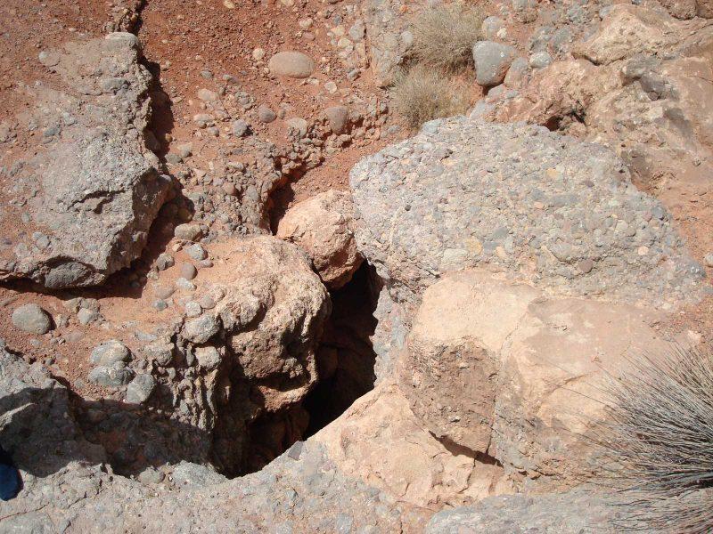چاه برق غار چاه برق