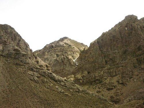 17 غار علی خورنده