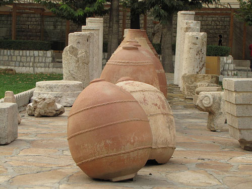 موزه-سنگ-طاق-بستان--کوزه-های-ساسانی